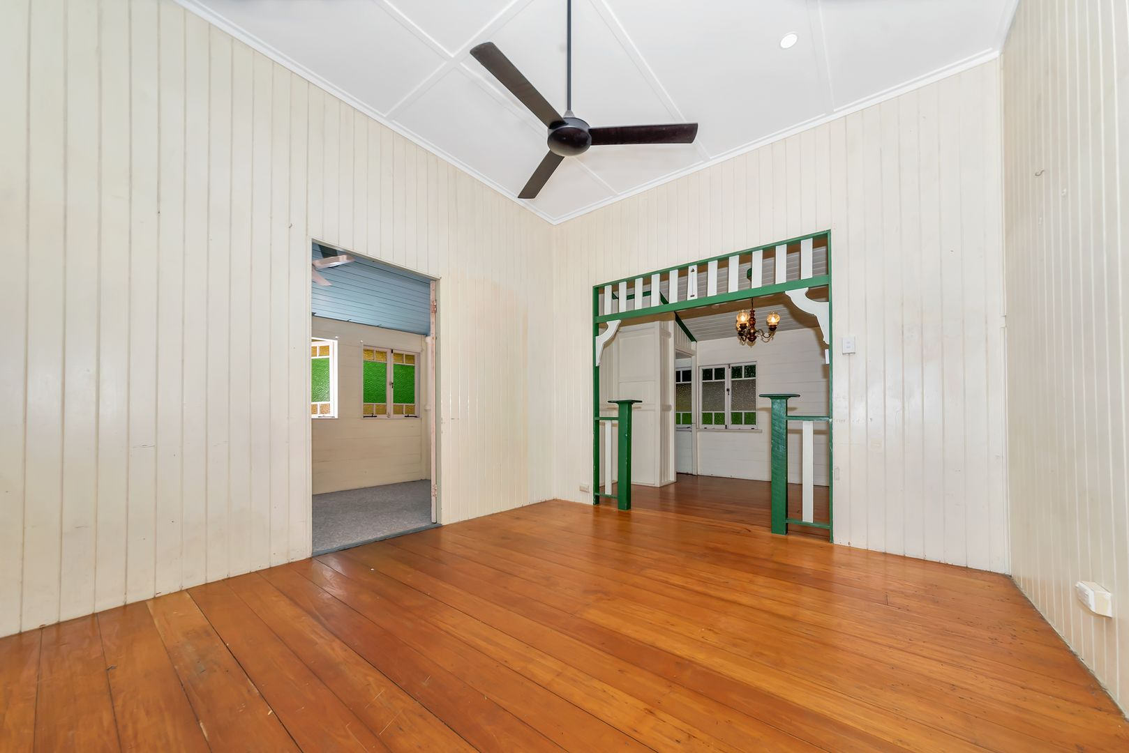 16 Greenslade Street, West End QLD 4810, Image 2