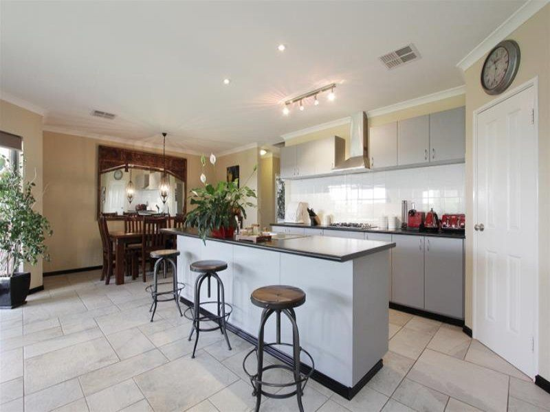 5 Jutland Way, The Vines WA 6069, Image 2