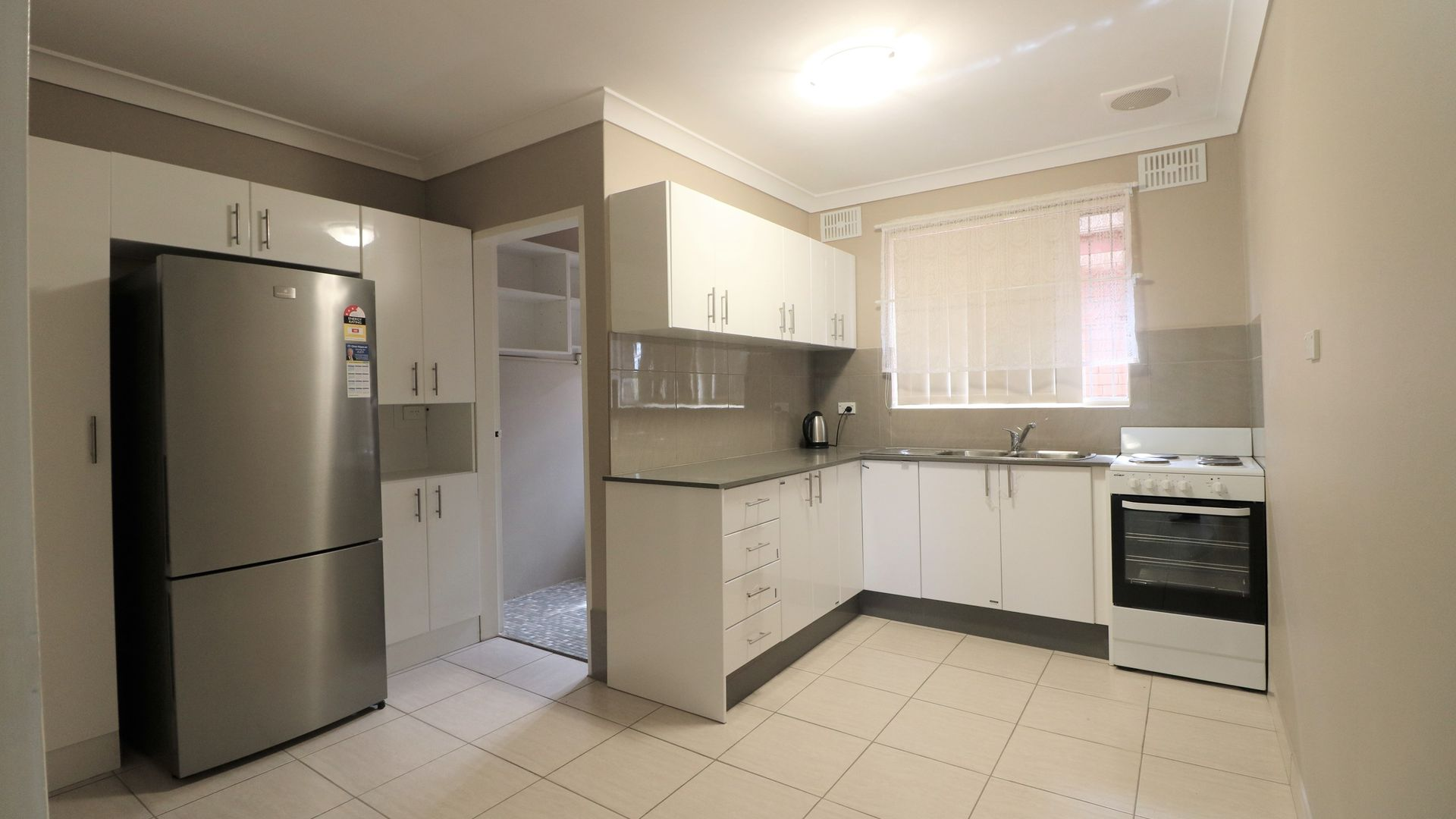 9/108 Broomfield street, Cabramatta NSW 2166, Image 2