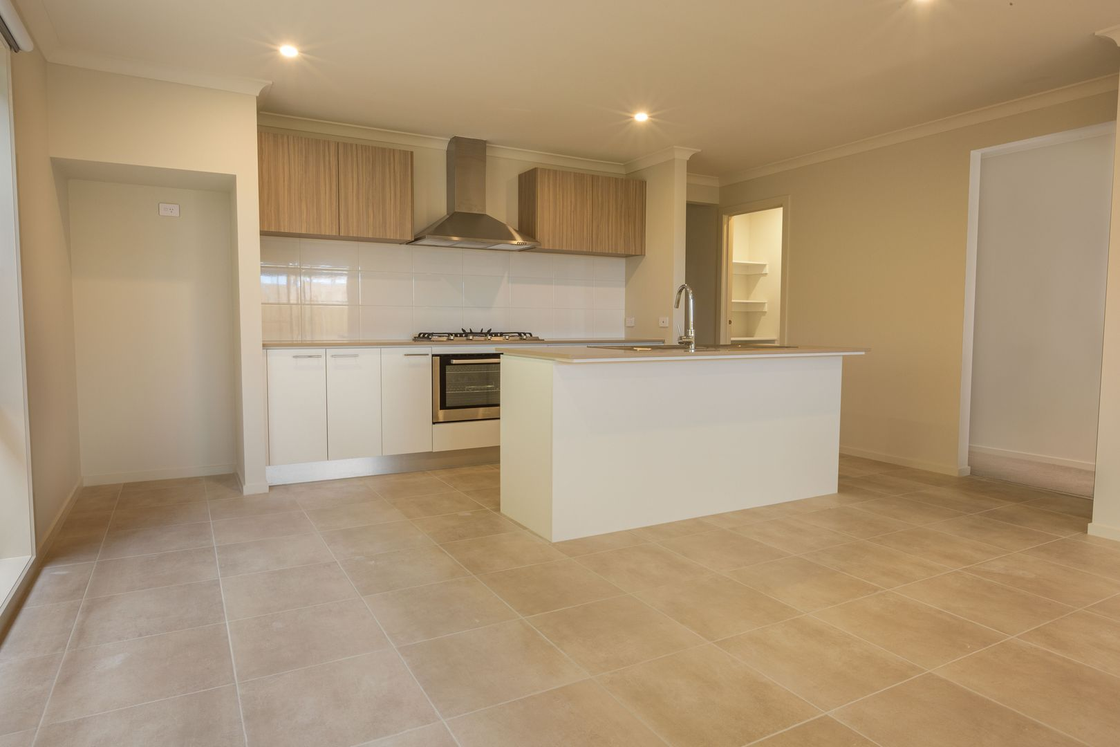 17 Outfield Road, Clyde VIC 3978, Image 1