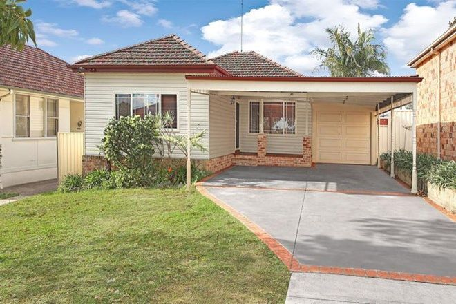 Picture of 66 Burns Road, PICNIC POINT NSW 2213