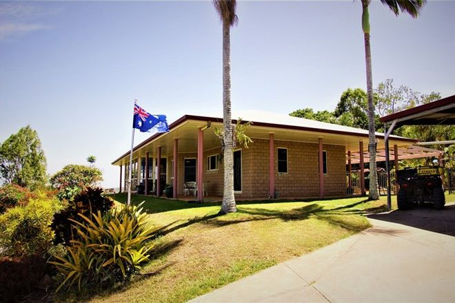 Picture of 36 Seaview Court, SARINA QLD 4737