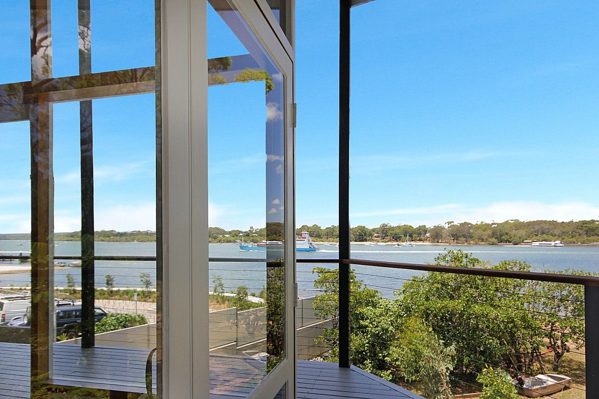 12 Russell Terrace, MacLeay Island QLD 4184, Image 1