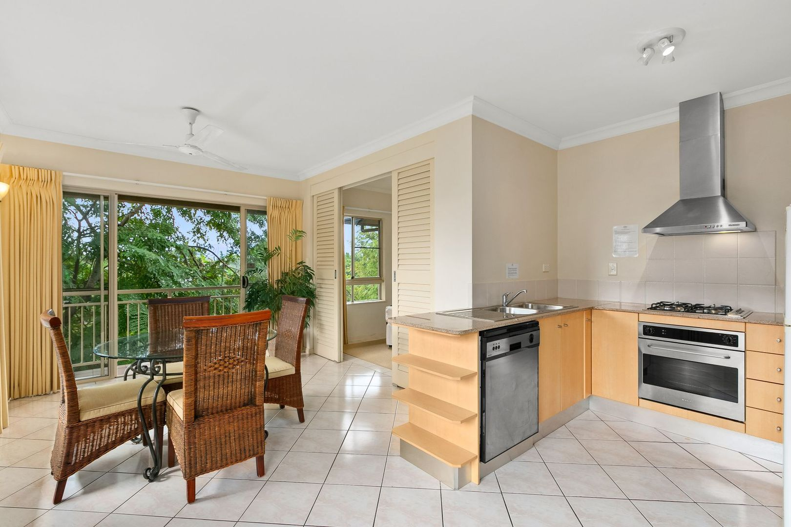 1221/2-10 Greenslopes Street, Cairns North QLD 4870, Image 0