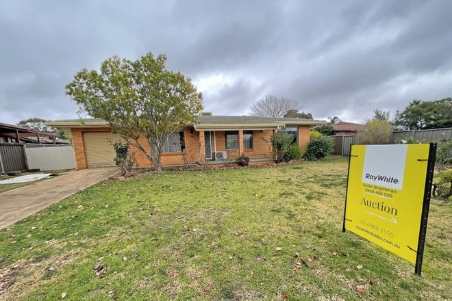 Picture of 14 Meadowbank Drive, DUBBO NSW 2830