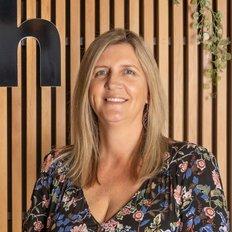 Maxine Gaiter, Sales representative