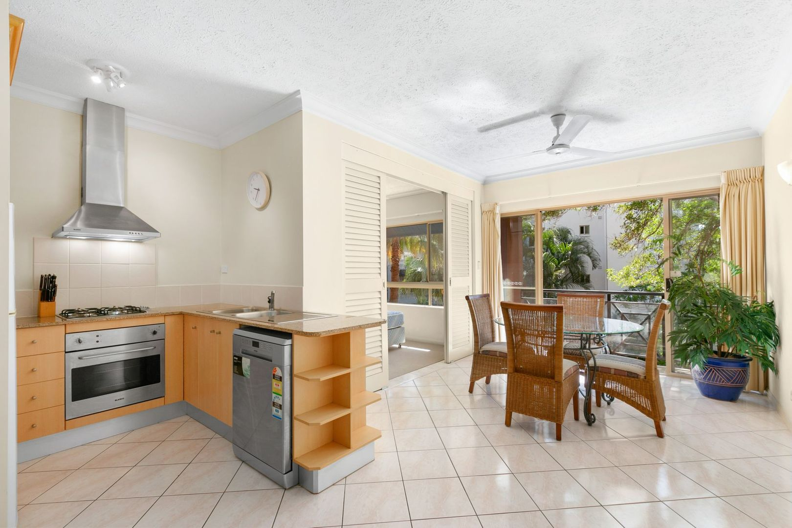 1612/2 Greenslopes Street, Cairns North QLD 4870, Image 0