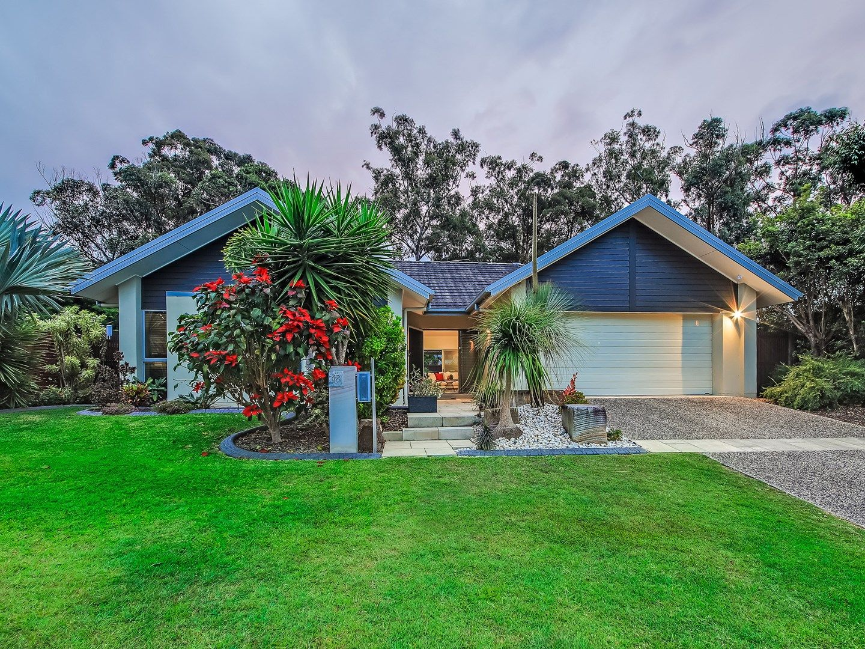 18 Barrington Crescent, Wakerley QLD 4154, Image 0
