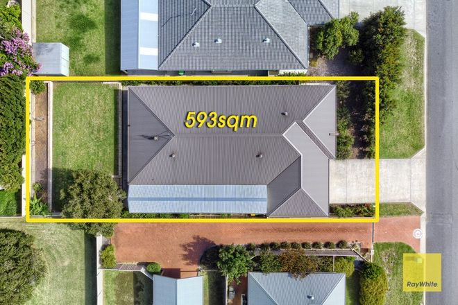 Picture of 79 Katoomba Street, ORANA WA 6330