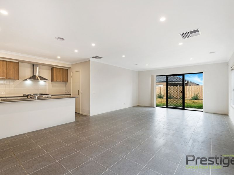373 Saltwater Promenade, Point Cook VIC 3030, Image 1