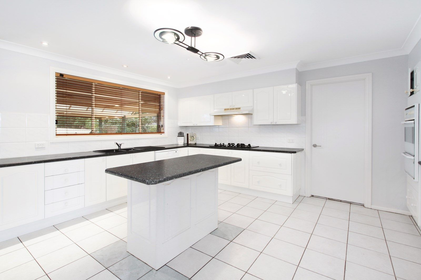 3 Woodlands Drive, Glenmore Park NSW 2745, Image 2