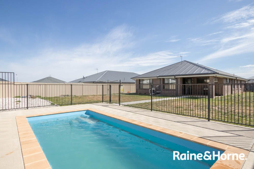 53 Wentworth Drive, Kelso NSW 2795, Image 2