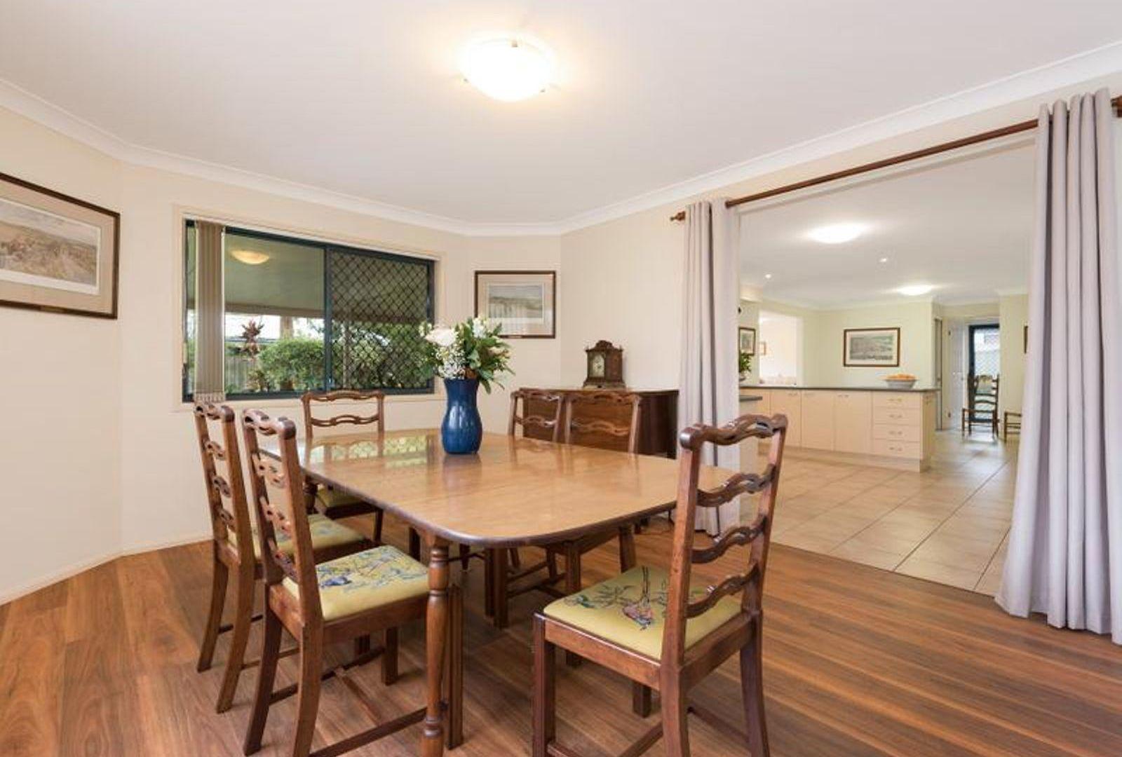 9 Barklya Crescent, Sinnamon Park QLD 4073, Image 2