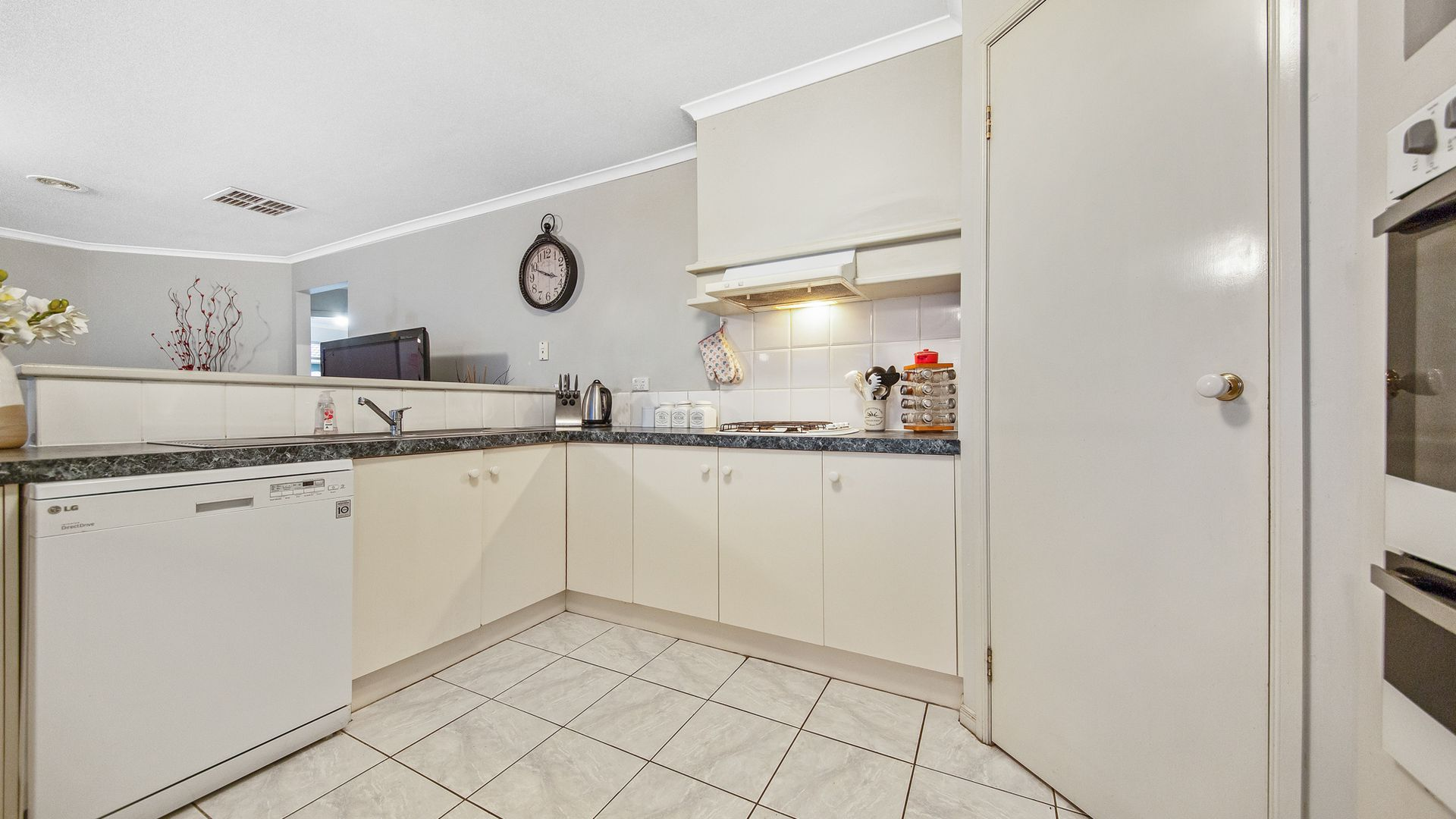 12 Park Place, Hoppers Crossing VIC 3029, Image 2