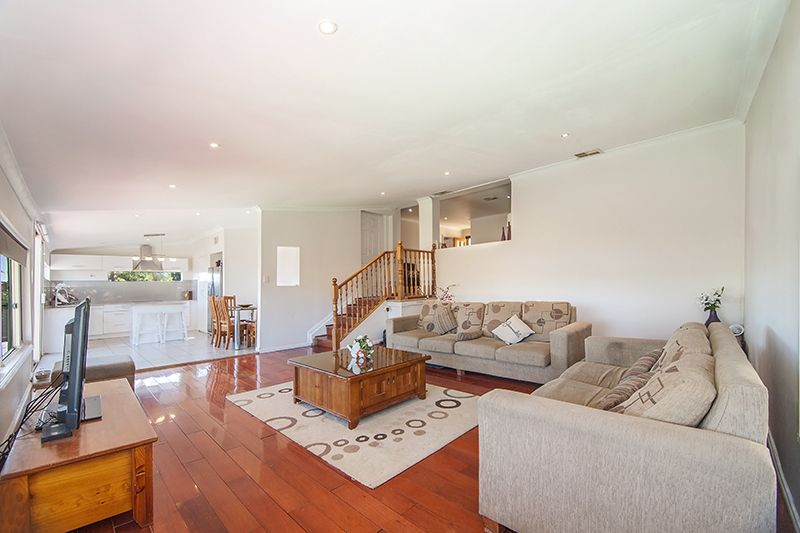 8 Durness Place, St Andrews NSW 2566, Image 2