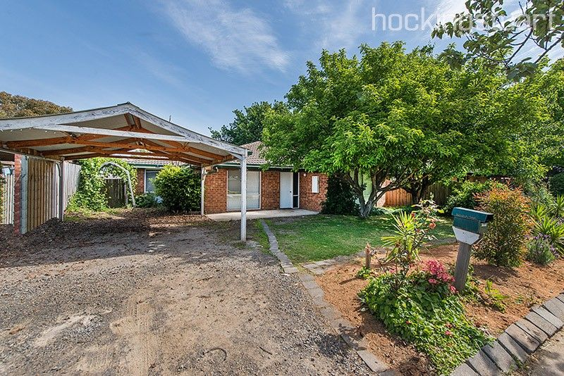 10 Daniher Close, Berwick VIC 3806, Image 0