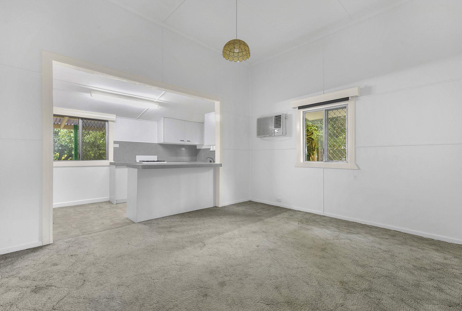 70 Chelmer Street East, Chelmer QLD 4068, Image 2