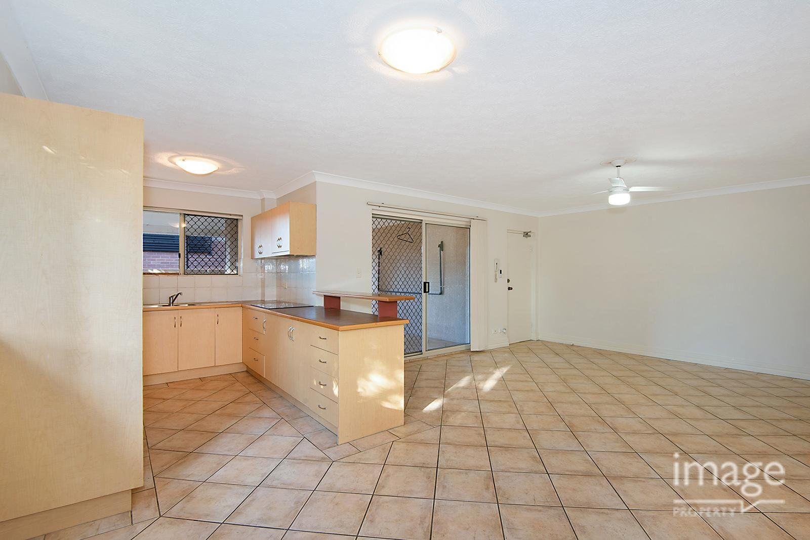 15 Cardross Street, Yeerongpilly QLD 4105, Image 1