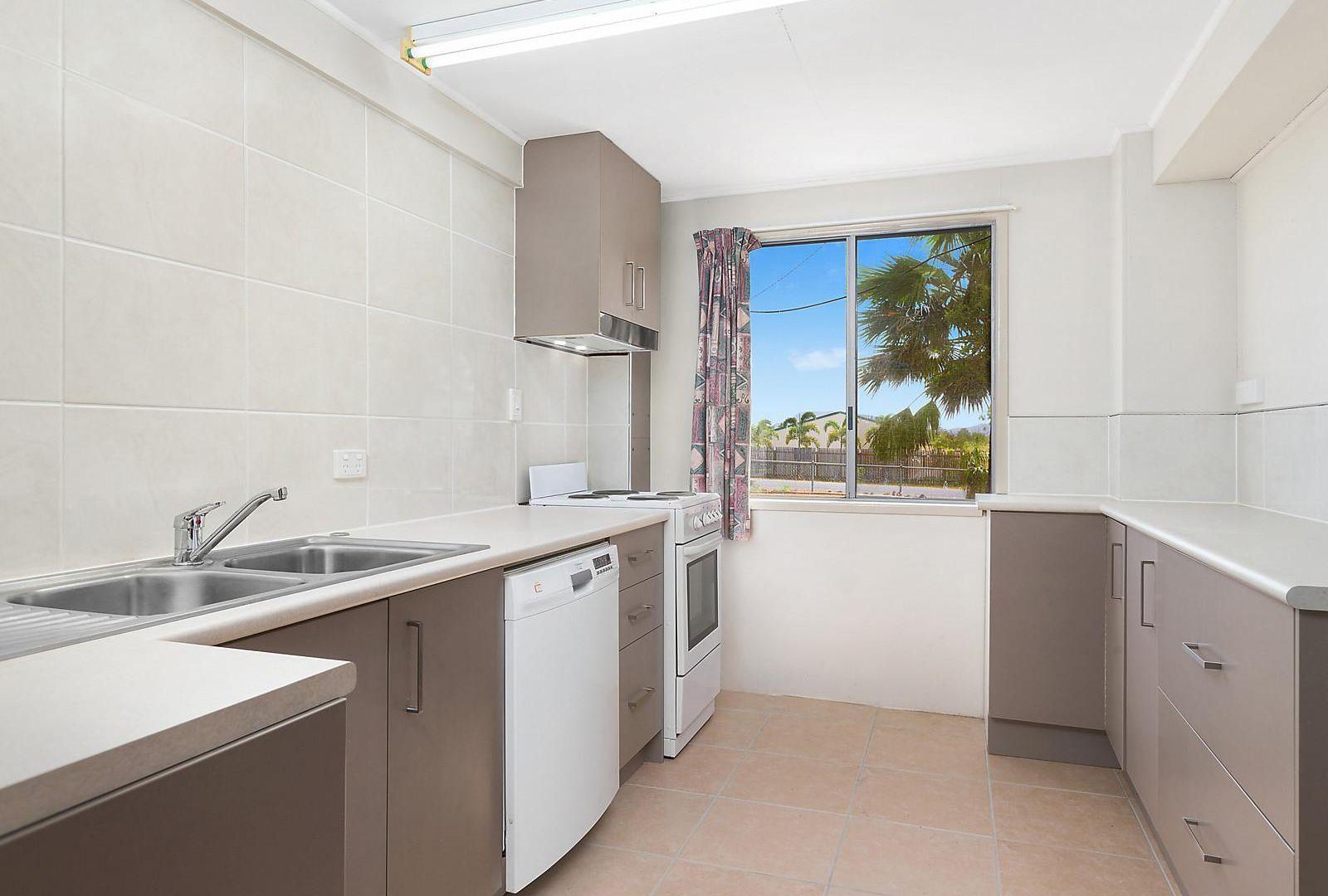 58 Elizabeth Street, Gracemere QLD 4702, Image 2