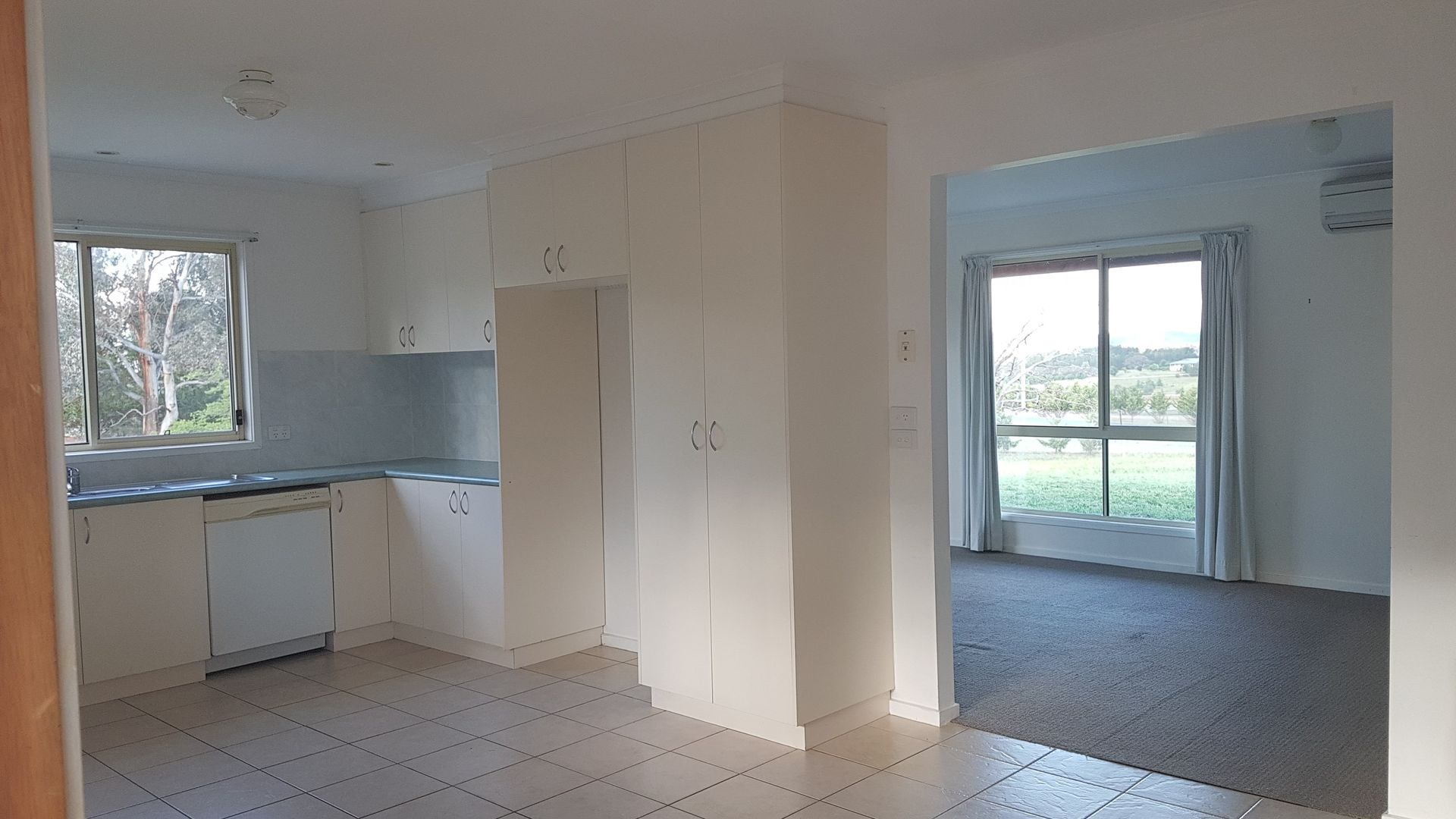 60 Cartwright Avenue, Sutton NSW 2620, Image 2