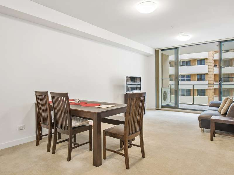 207/135 Pacific Highway, Hornsby NSW 2077, Image 2