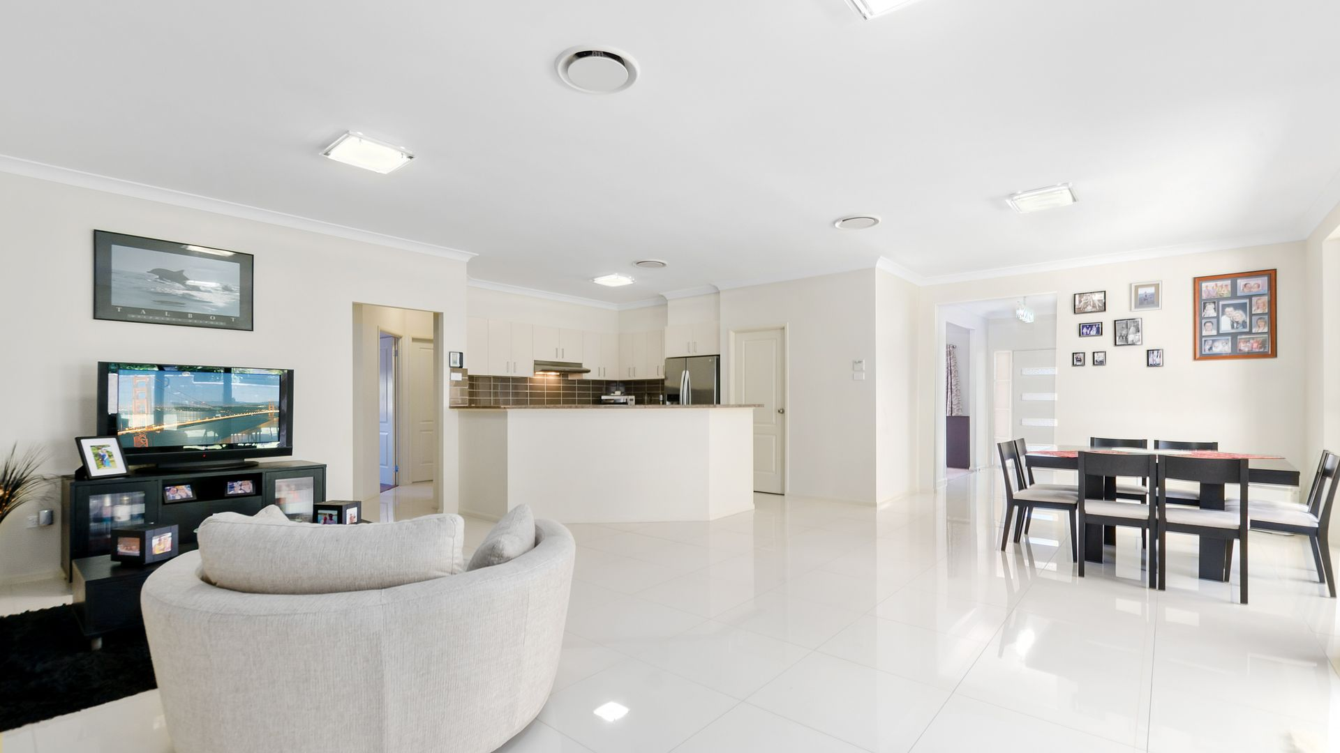 17 Norman Clark Crescent, Horsley NSW 2530, Image 2