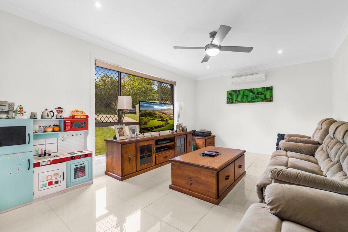 14 Hinchcliffe Street, Tanah Merah QLD 4128, Image 2