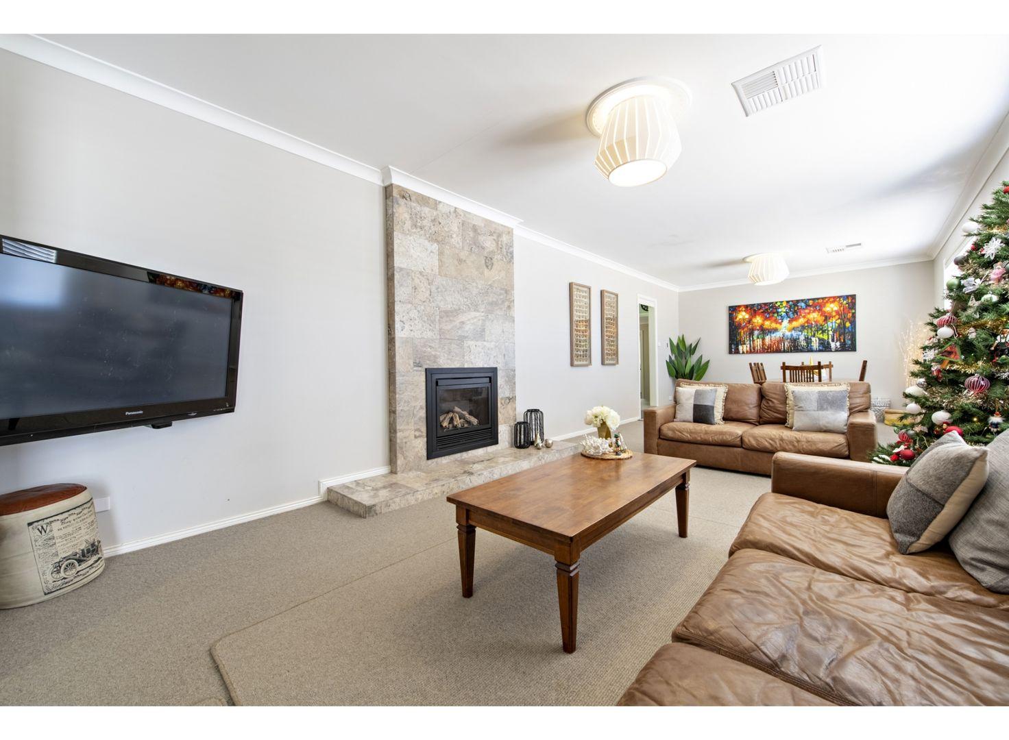 8 Colony Crescent, Dubbo NSW 2830, Image 2