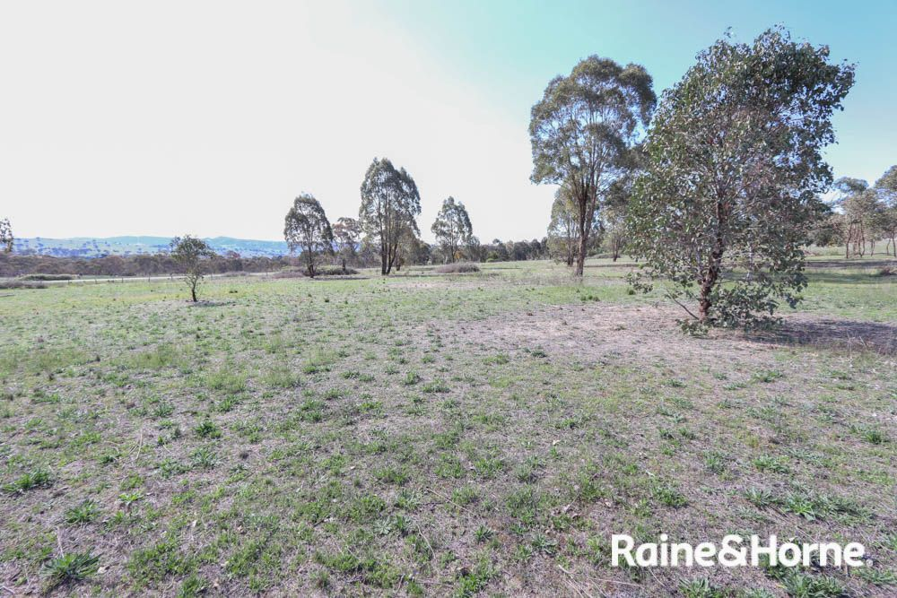 32 Pine Ridge Road, Rock Forest NSW 2795, Image 0