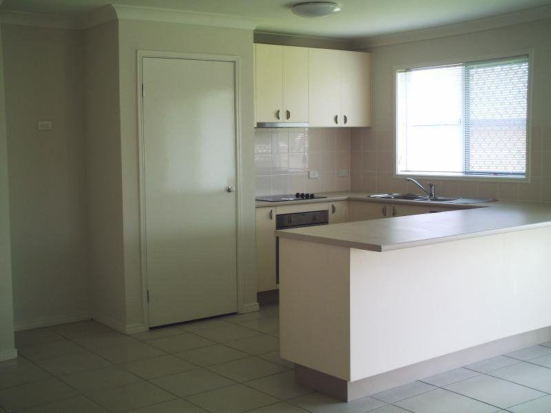 13 Arif Place, Heritage Park QLD 4118, Image 2