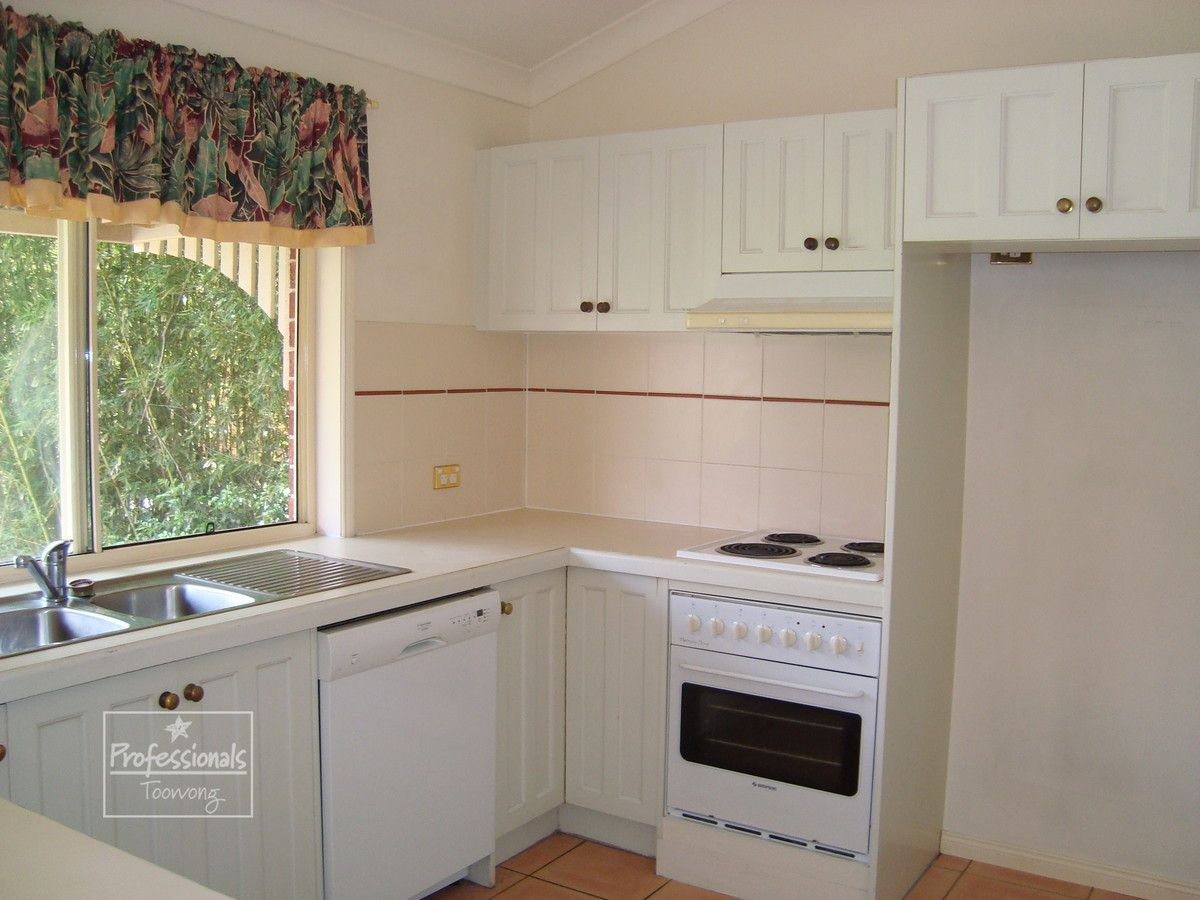 31 Burns Parade, Chapel Hill QLD 4069, Image 2