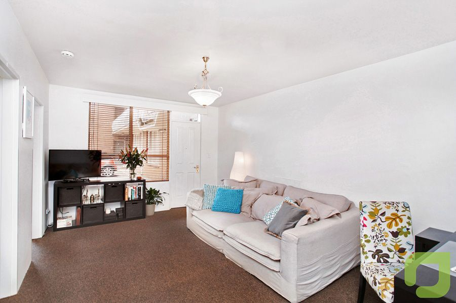 1/13 Dover Road, Williamstown VIC 3016, Image 2