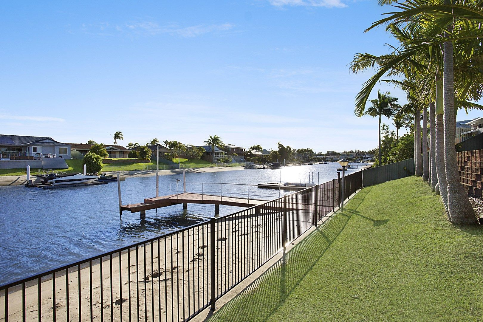 30 Saxonvale Terrace, Mermaid Waters QLD 4218, Image 2