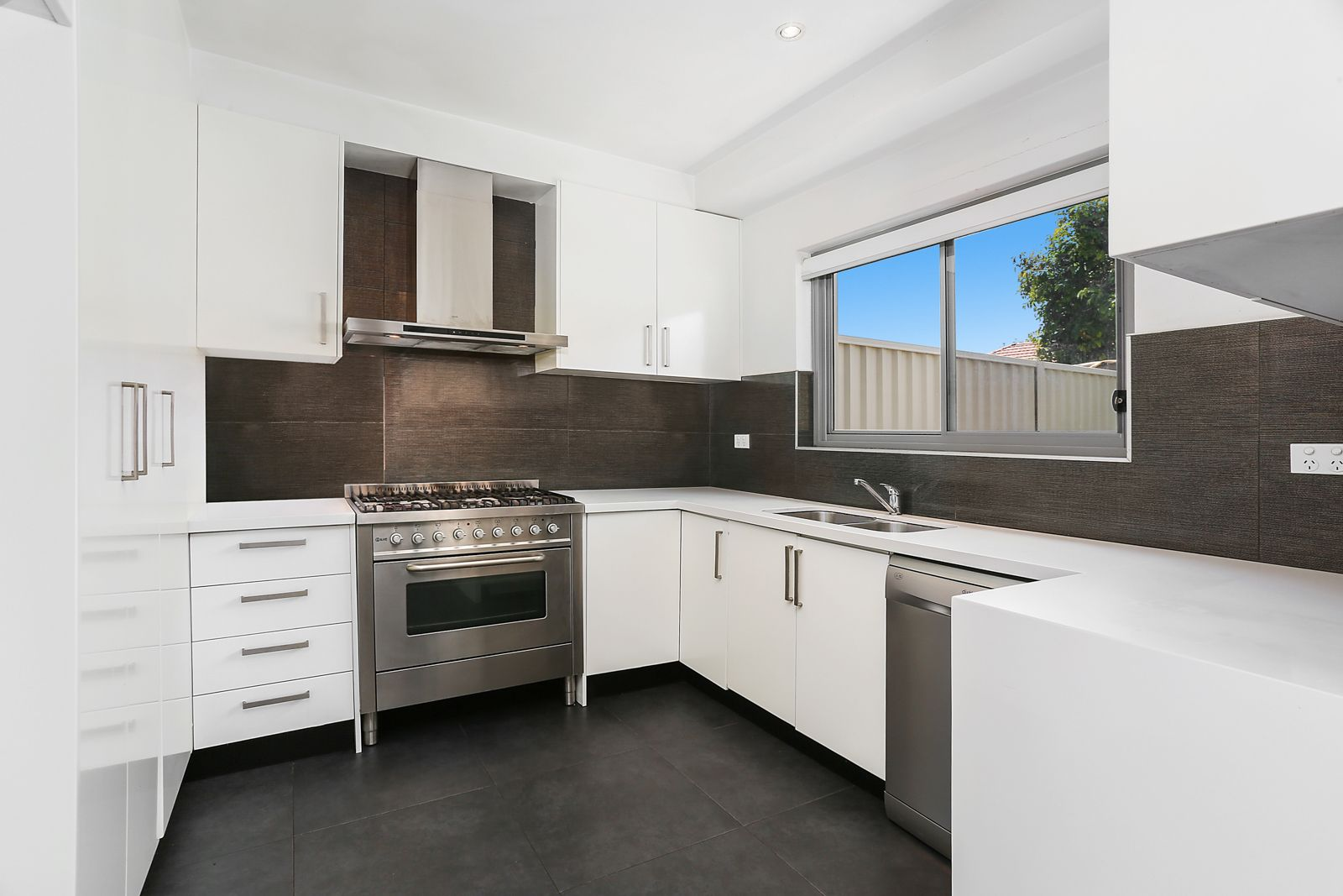 29 Moate Avenue, Brighton-Le-Sands NSW 2216, Image 0