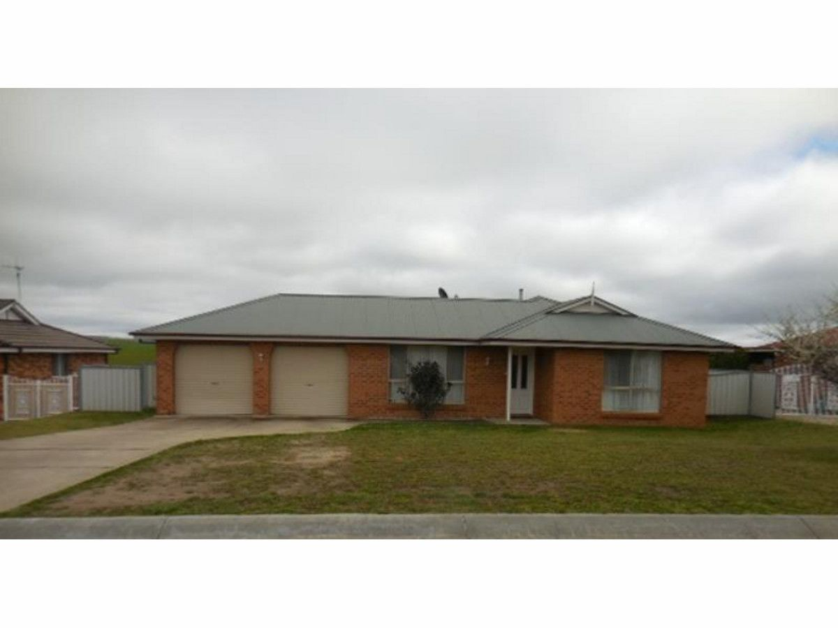 39 Ussher Crescent, Bathurst NSW 2795, Image 0
