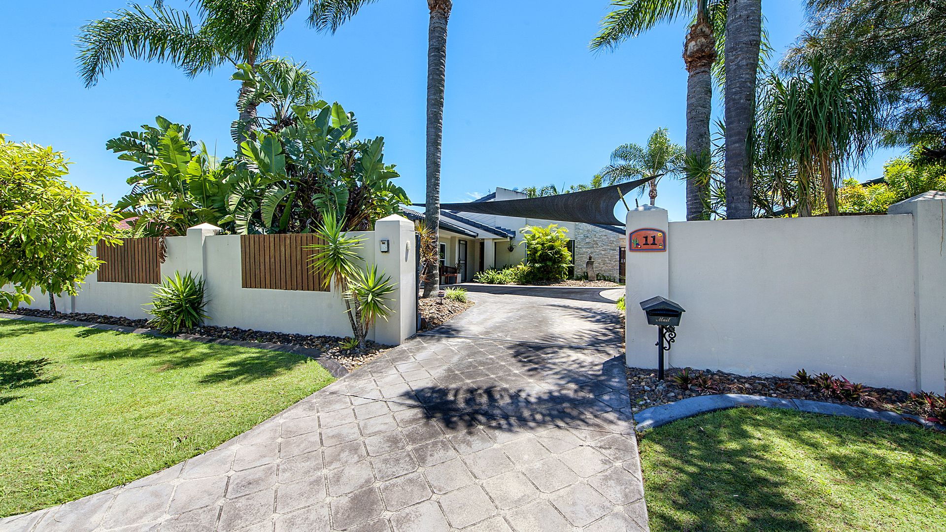 11 Coronet Crescent, Burleigh Waters QLD 4220, Image 1