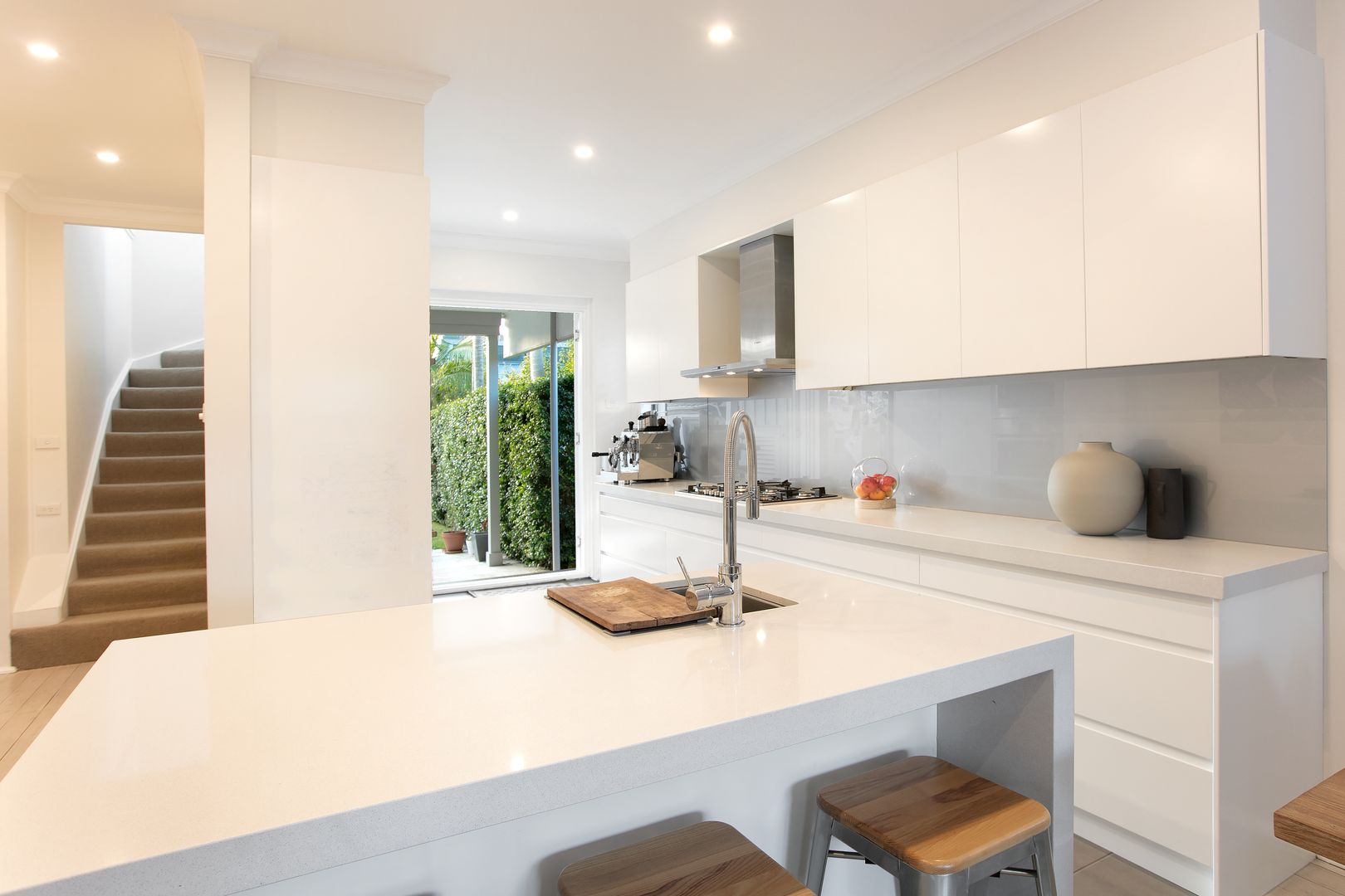 111 Wyndora Avenue, Freshwater NSW 2096, Image 2
