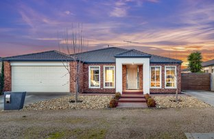 Picture of 26 Dorcas  Lane, Taylors Hill VIC 3037