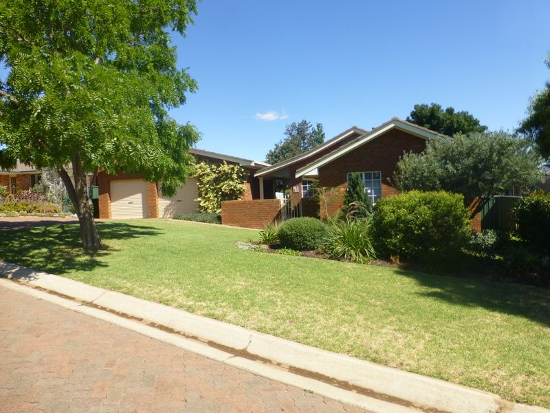 3 Glenburnie Close, Parkes NSW 2870, Image 0