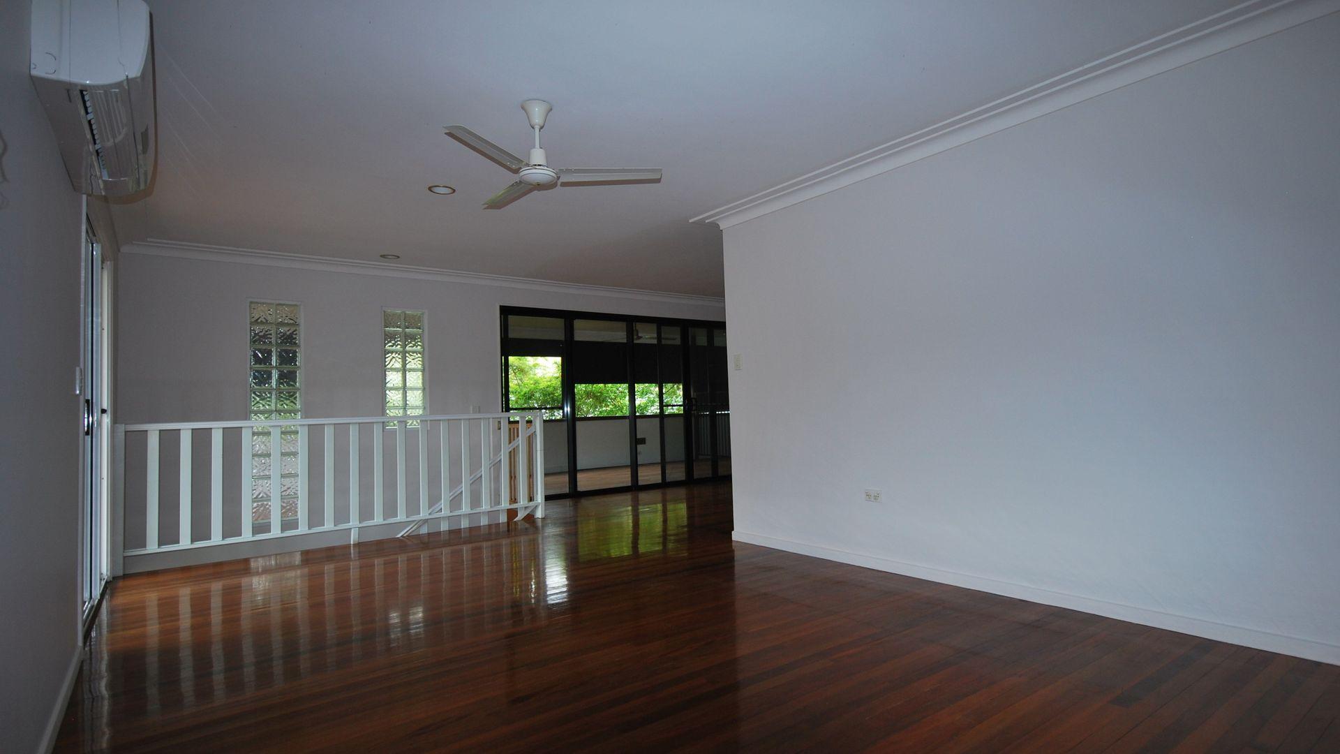 12 Tabilban Street, Burleigh Heads QLD 4220, Image 1