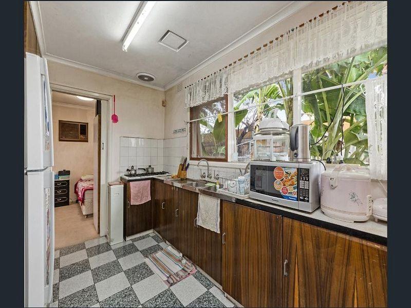 128 Buckley Street, Footscray VIC 3011, Image 2