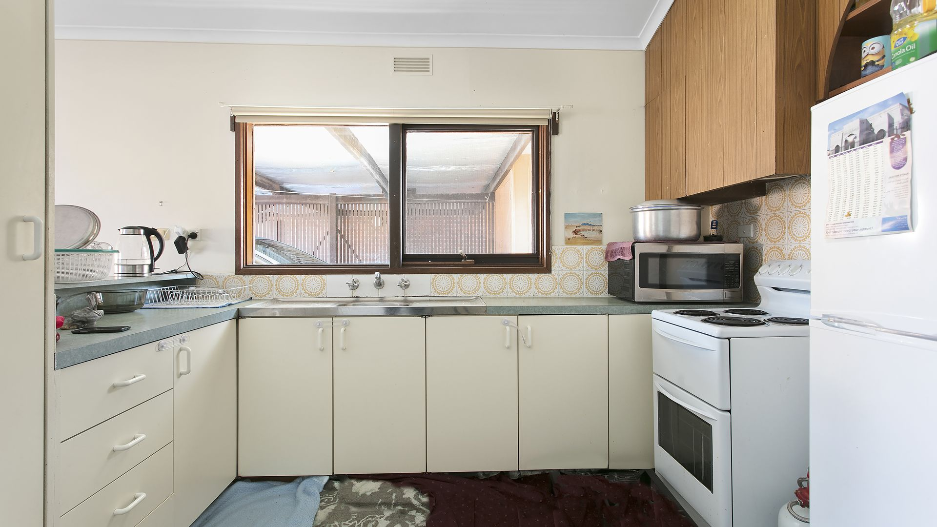 2/127 Mackenzie West Street, Golden Square VIC 3555, Image 2