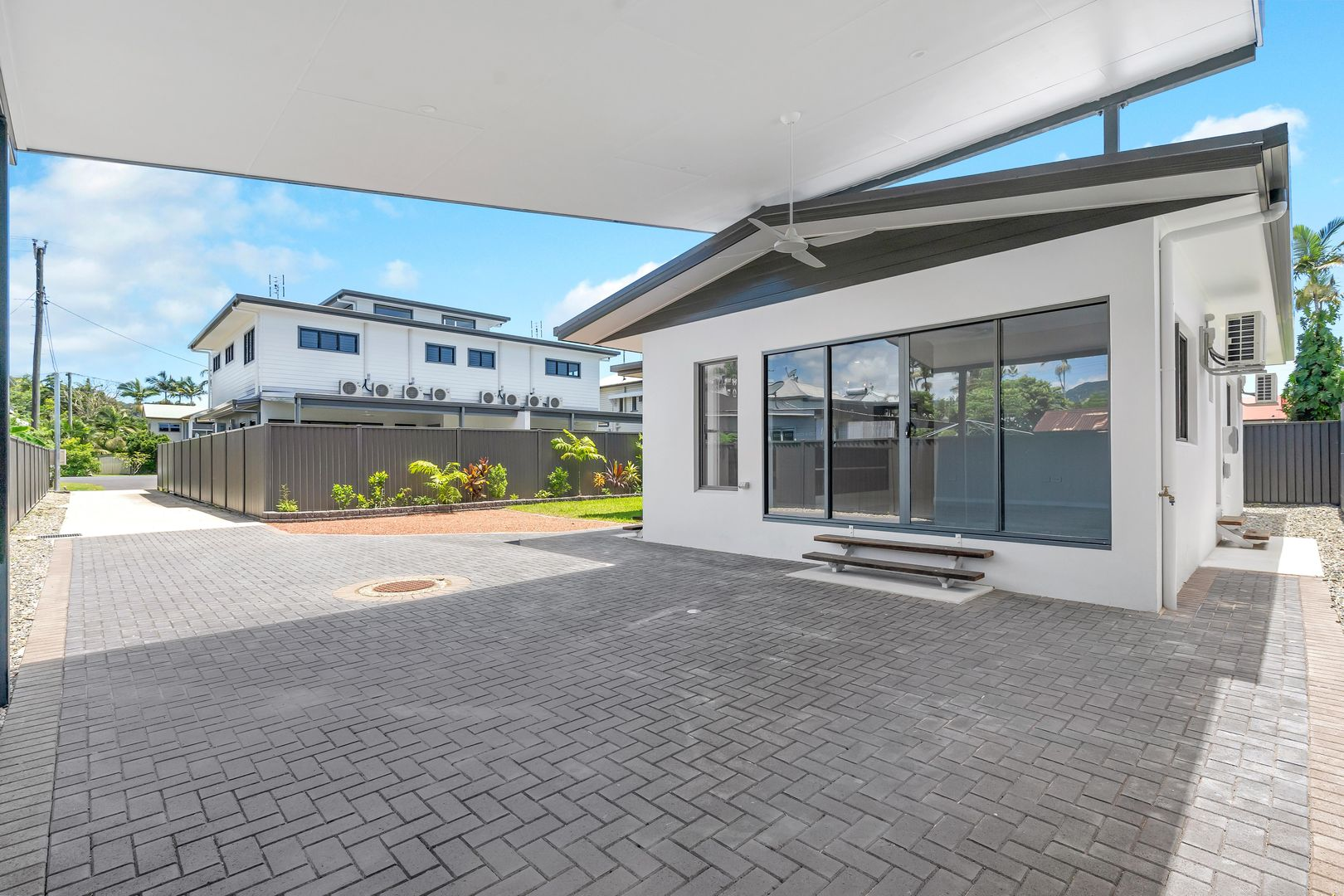 17 SMITH  STREET, Cairns North QLD 4870, Image 2