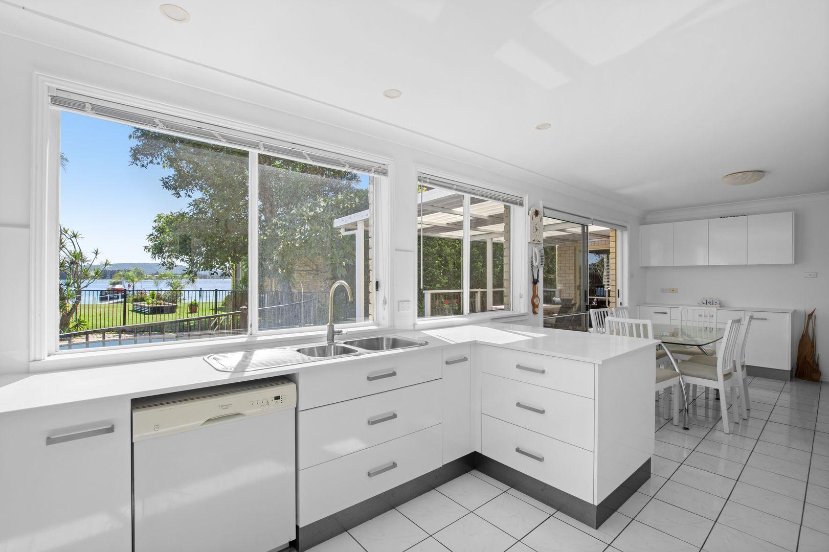 45 Nautilus Crescent, St Huberts Island NSW 2257, Image 2