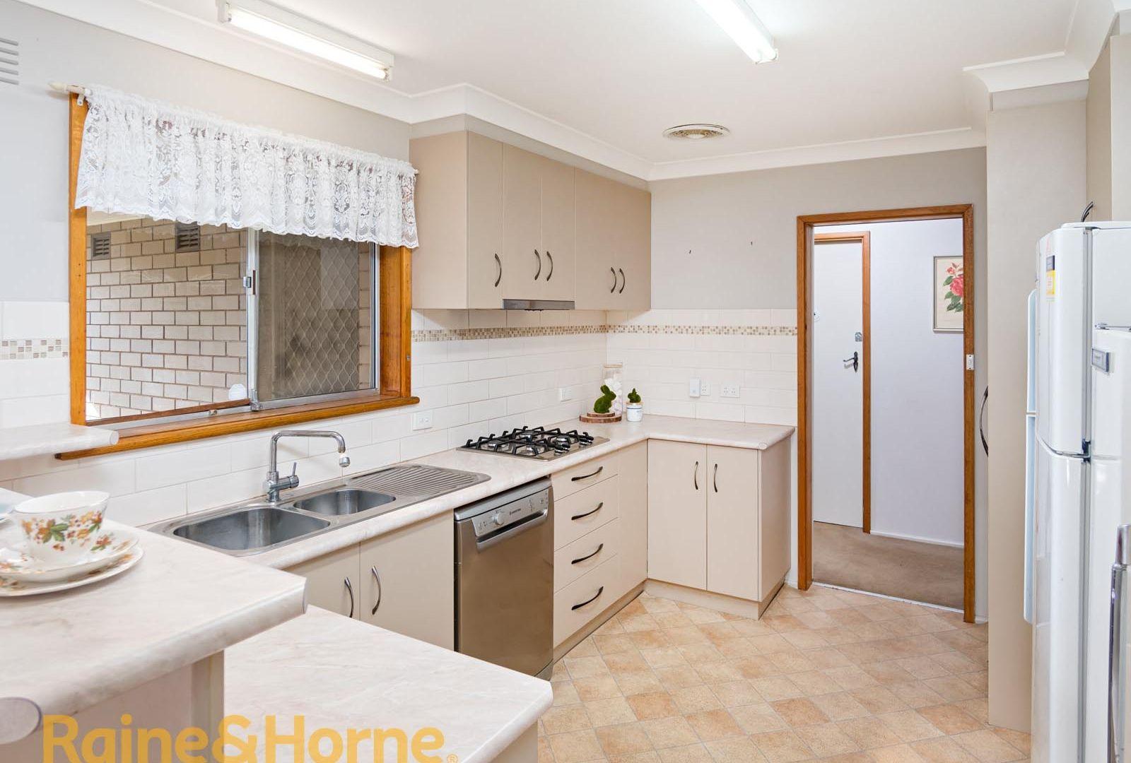 1 Fosbery Street, Tolland NSW 2650, Image 2