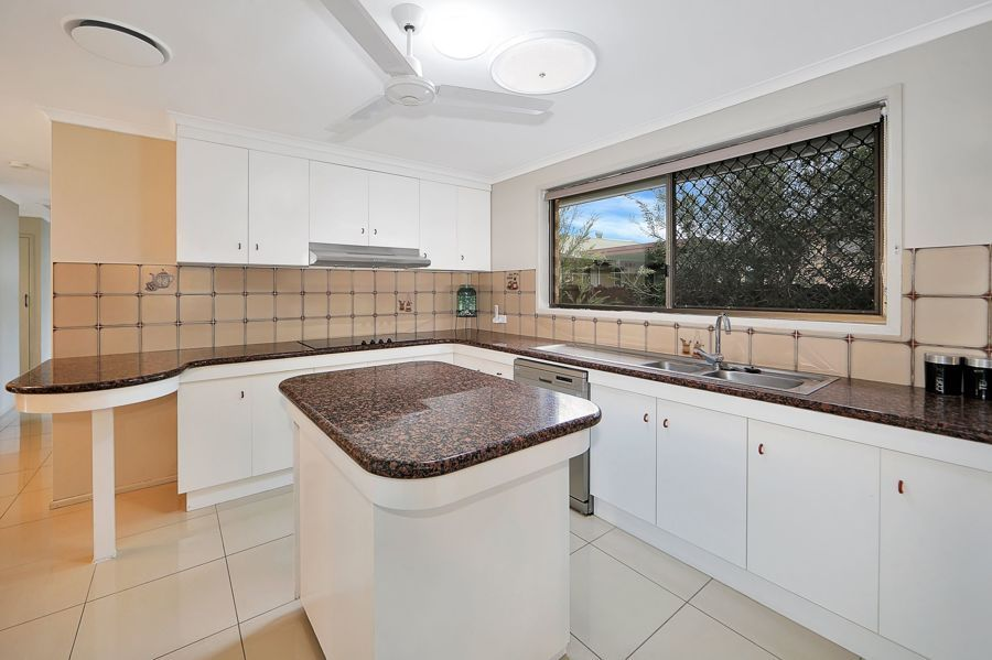 15 Bathurst Street, Elliott Heads QLD 4670, Image 2