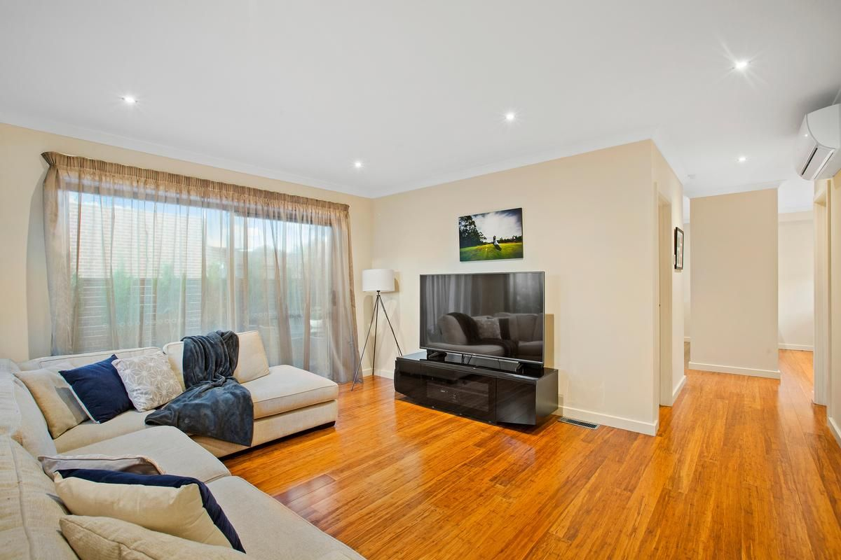 4/12 Armstrong Road, Bayswater VIC 3153, Image 1