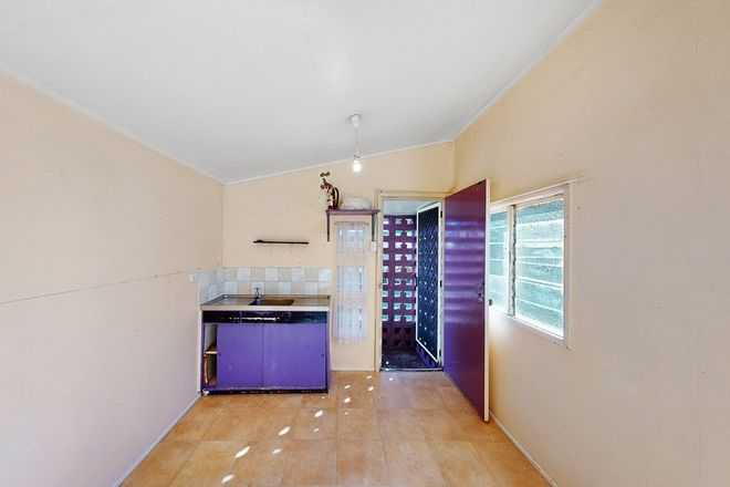 Picture of Cabin 1/12 Haysmouth Parade, CLONTARF QLD 4019