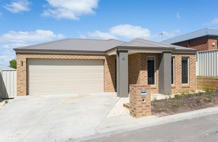 Picture of 4/25 Albert Street, Long Gully VIC 3550