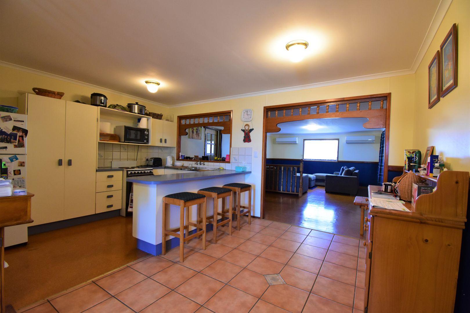 125 Boree Street, Barcaldine QLD 4725, Image 2